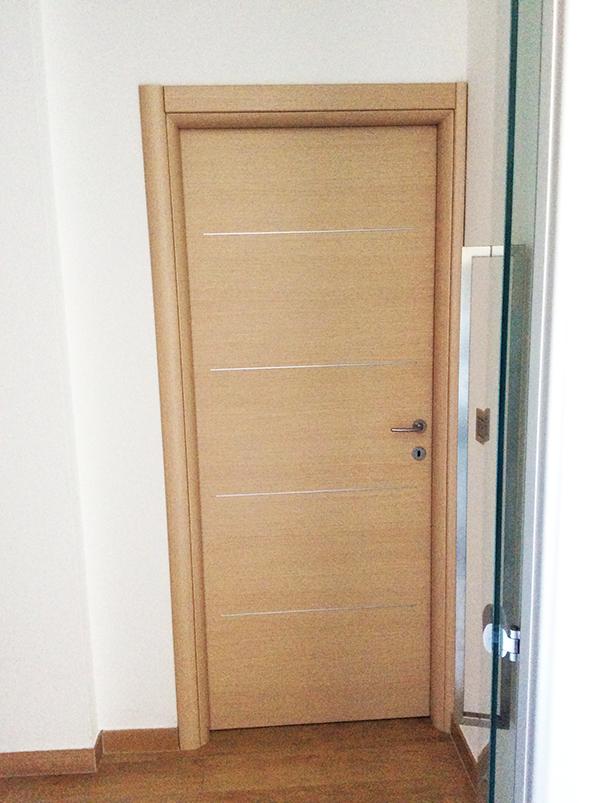 Montaggio e assistenza porte interne in legno a rimini e cesena ceccarini infissi - Montaggio porte interne video ...